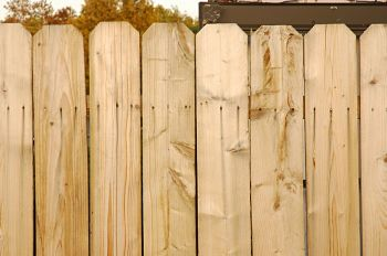 wooden privacy fence installation in long beach california